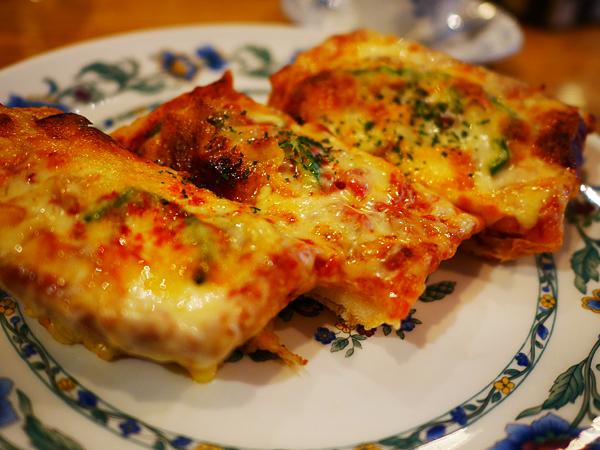 お家のピザトーストが名店級に。 3つのコツとは?