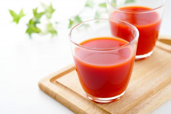 (4) 夕食の前にトマトジュースを1杯飲む
