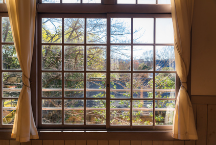 木造校舎の窓、学校