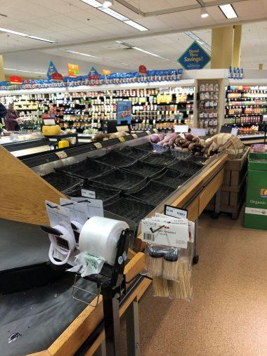 コロナウイルス感染拡大中アメリカのスーパーマーケット
