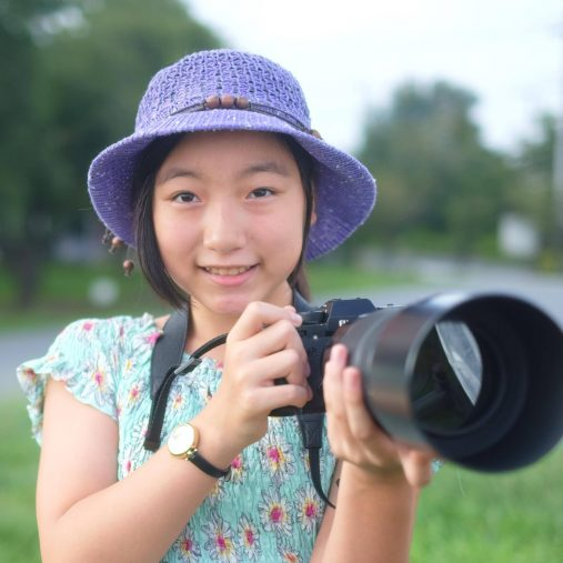 Amazon ランキングナンバーワンの動物写真家・小原玲さんの一番弟子、藍沙さん(14歳)