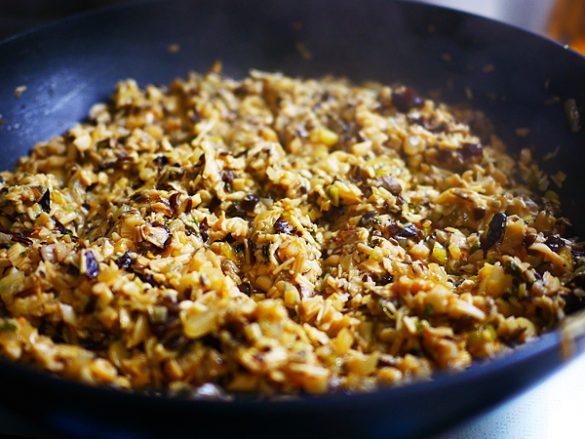 子供にもお手伝い可能! 定番料理がグーンとおいしくなる 大量ストック料理「きのこのラグー」の作り方