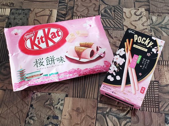 ネスレ キットカット ミニ 桜餅味 398円、グリコ ポッキーfromJAPAN<桜仕立て> オープン価格