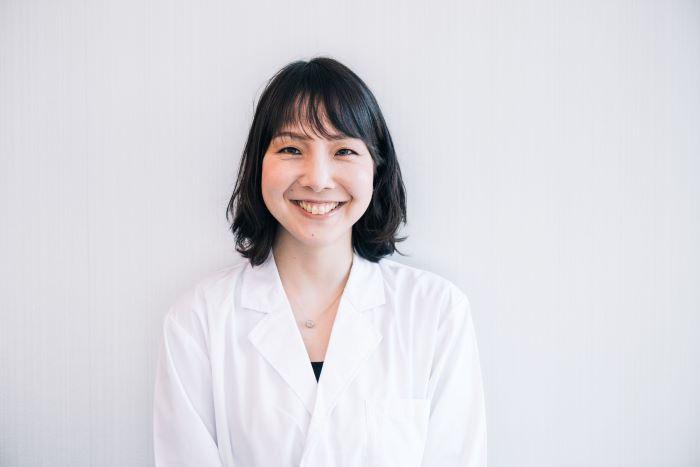 山田智子さん(スカルプDのまつ毛美容液開発者/毛髪診断士 アンファー)