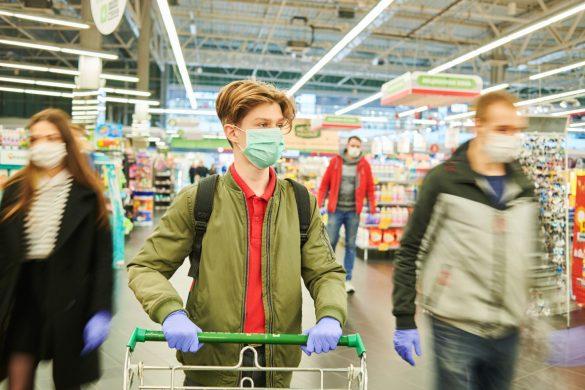 新型コロナウイルス スーパーマーケット、マスク、買い物
