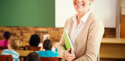 教師、先生、教育実習、学校、教室、子供