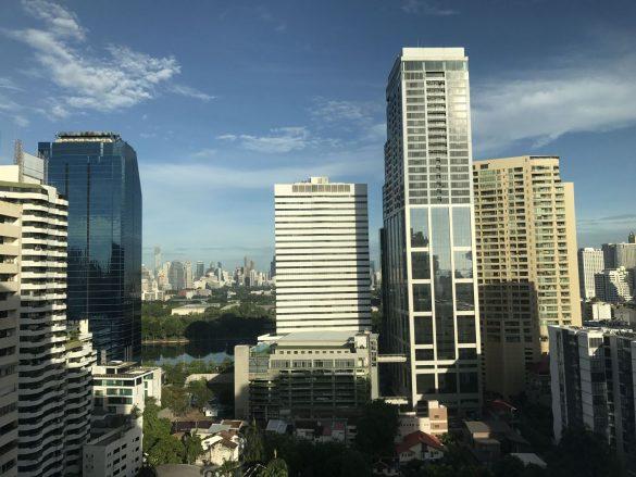 コンドミニアムが建ち並ぶバンコク市内(新型コロナ禍より前に撮影)