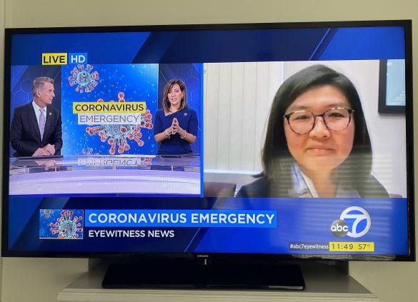 ホテルのテレビでコロナ関連のニュースを見ていました