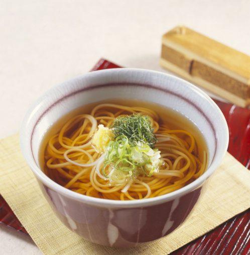 稲庭うどんは、秋田県名産の干しうどんで平たいのが特徴。(写真はイメージです)