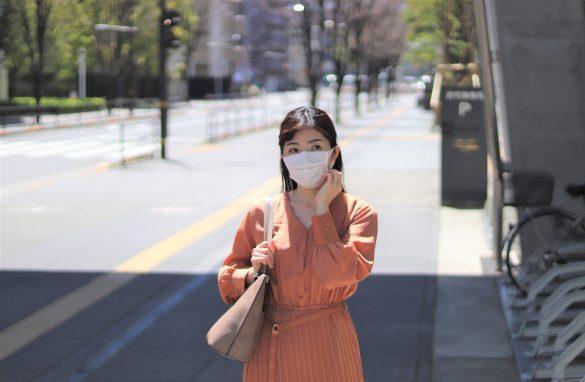 マスクなしランナーに怯える主婦