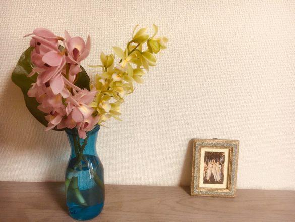 「霽れと褻」から届いた花