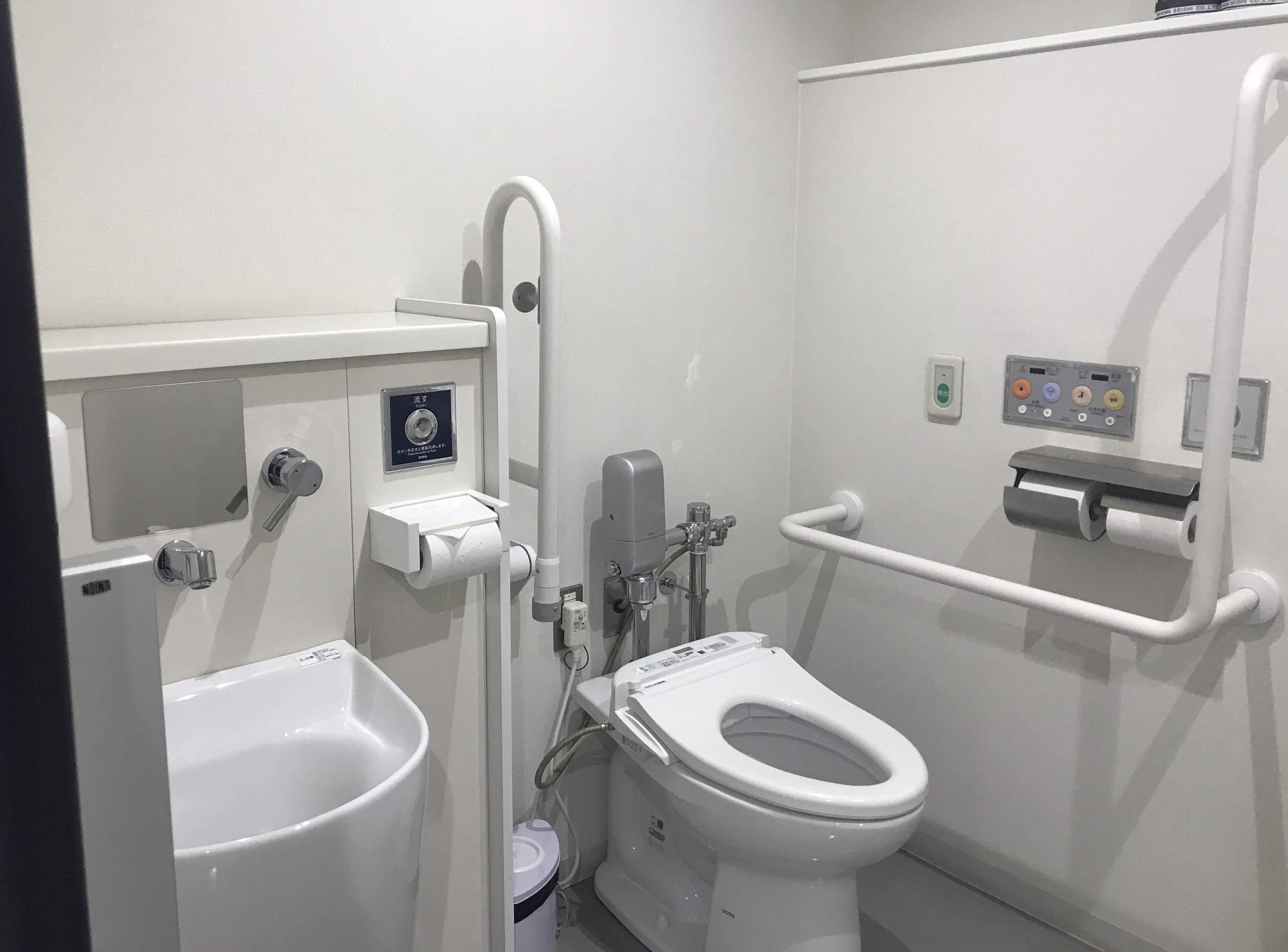 多目的トイレ1