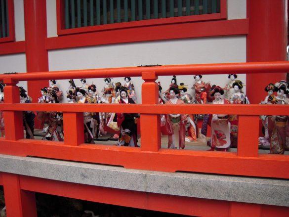 日本人形、人形供養寺