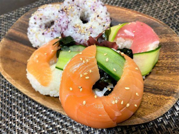 「ドーナツおにぎり型」がめちゃ便利、押し寿司が簡単に作れちゃった