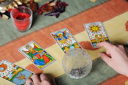 タロットカード占い師、スピリチュアル、運勢