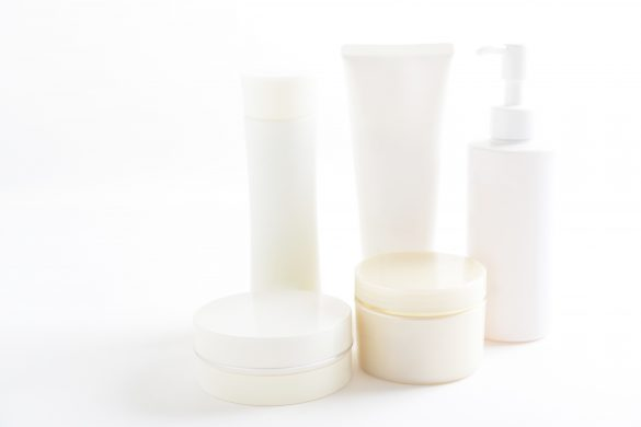 キュレル、オルビスetc…「大人ニキビ」とオサラバできる基礎化粧品5選