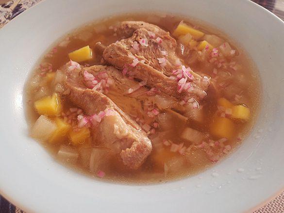 骨付き肉美容スープ