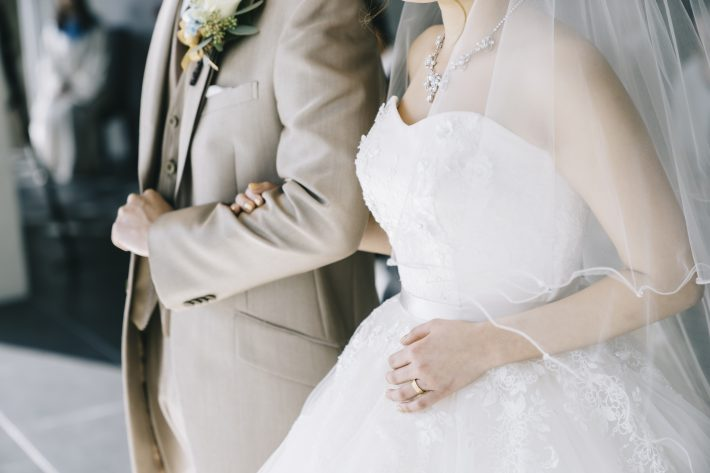 コロナで結婚式に変化、しがらみのない少人数スタイルへ。フォトウェディングも人気
