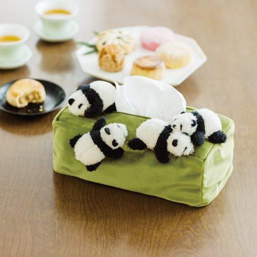 「まるで赤ちゃんパンダのお披露目会みたいなボックスティッシュカバー」¥3,190