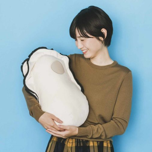 「なぜかかわいい もっちりクッション抱っこ牡蠣」¥3,080