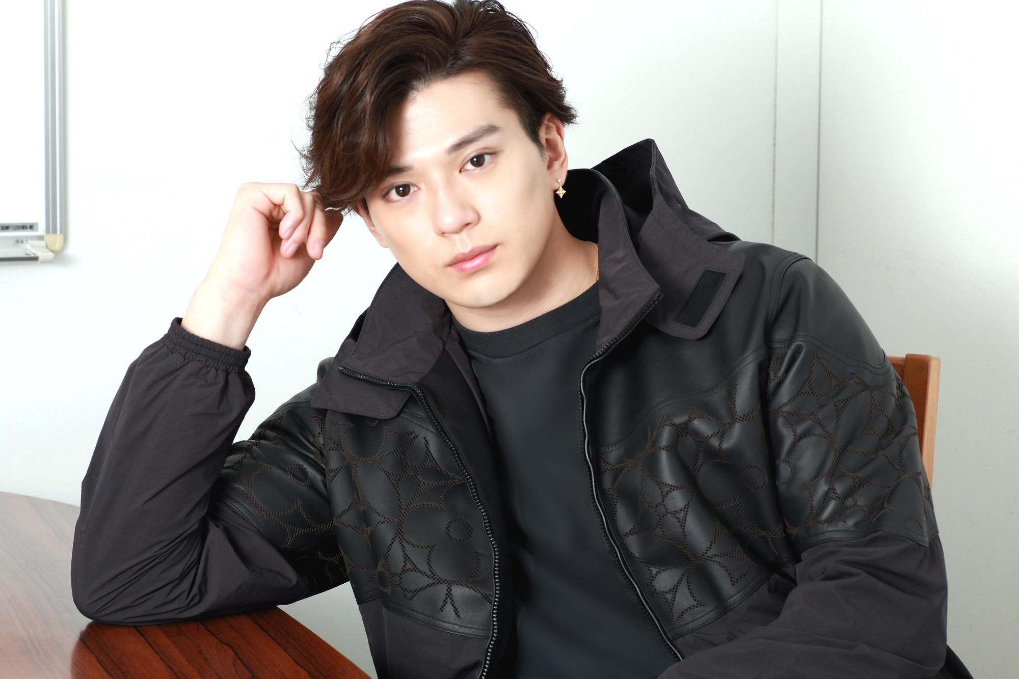 新田真剣佑、単独初主演映画公開。「先頭を走る役者になれると思っている」