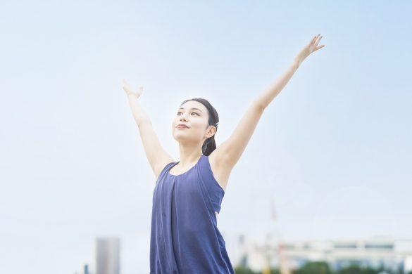 """美しい姿勢を手に入れる背筋トレーニング。表面ではなく""""深層の筋肉""""を鍛えるべし"""