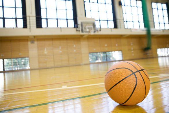 体育館 バスケットボールコート 試合
