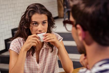 カフェ デート、 お茶 恋愛
