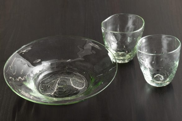 沖縄で見つけた夏に映えるガラスの器