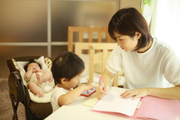 子ども 在宅ワーク テレワーク ノート 母親