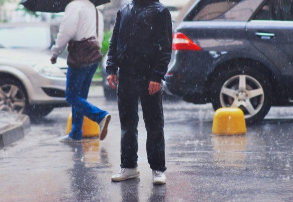 男性 雨 カジュアル ラフ