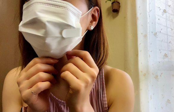 使用中、頬にペッタリと触れ続ける