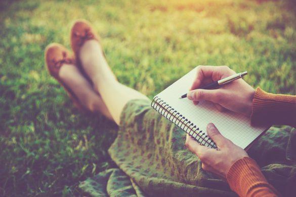 ノート 女性 日記