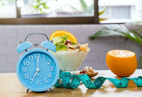 breakfast time with clock
